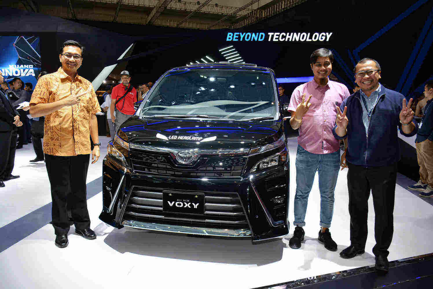 First Impression Toyota Voxy
